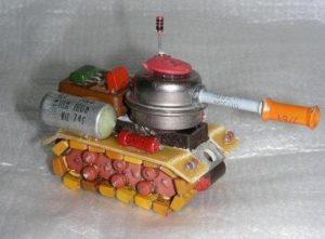 Самодельная игрушка из радиодеталей